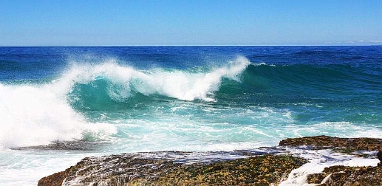 dalgalardan kaçmak