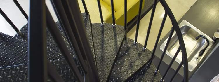 demir merdiven görmek