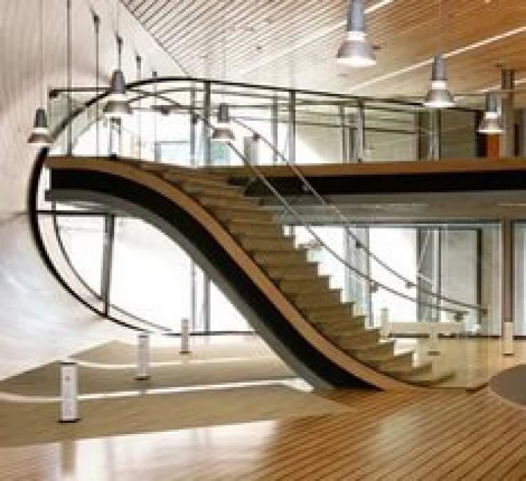 demir merdivenden inmek