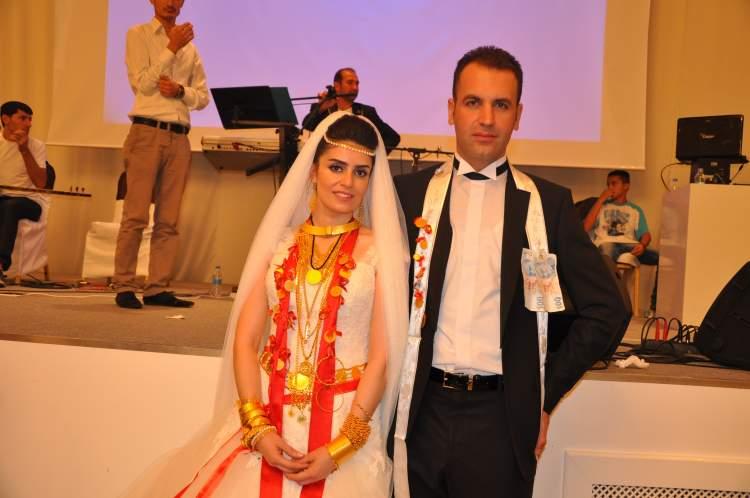 düğünde altın takmak