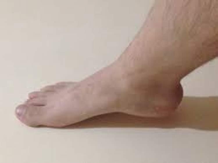 erkek ayağı görmek