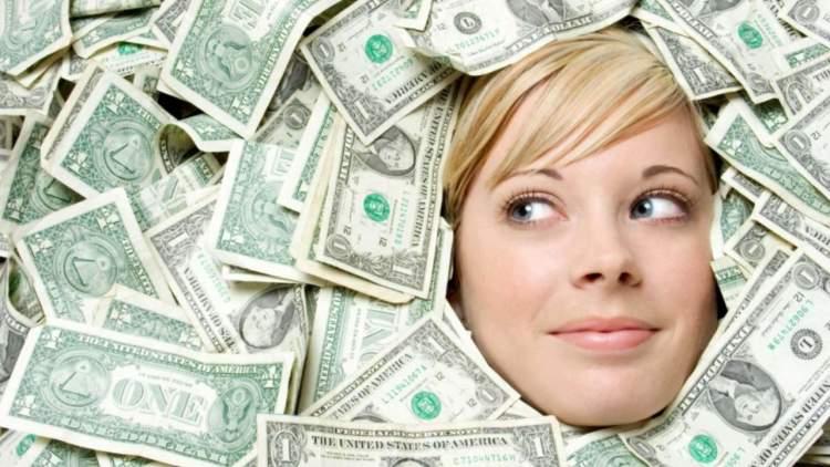 Rüyada Eşinden Kağıt Para Almak