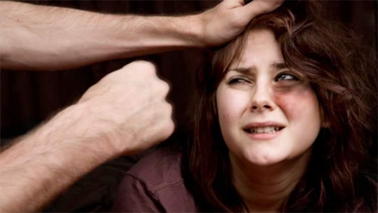 eşini dövmek