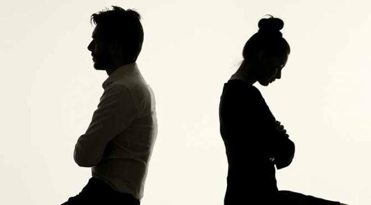 Rüyada Eşinin Aldattığını Duymak