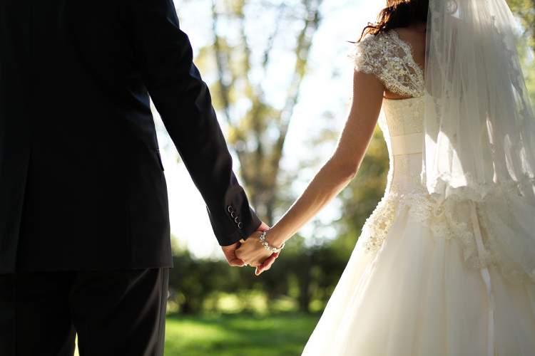 eşinin evlendiğini görmek