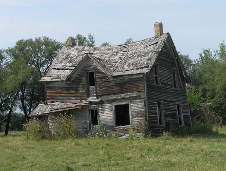 eski eve taşındığını görmek