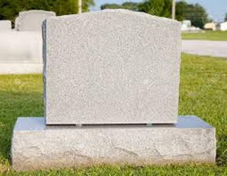 eski mezar taşı görmek