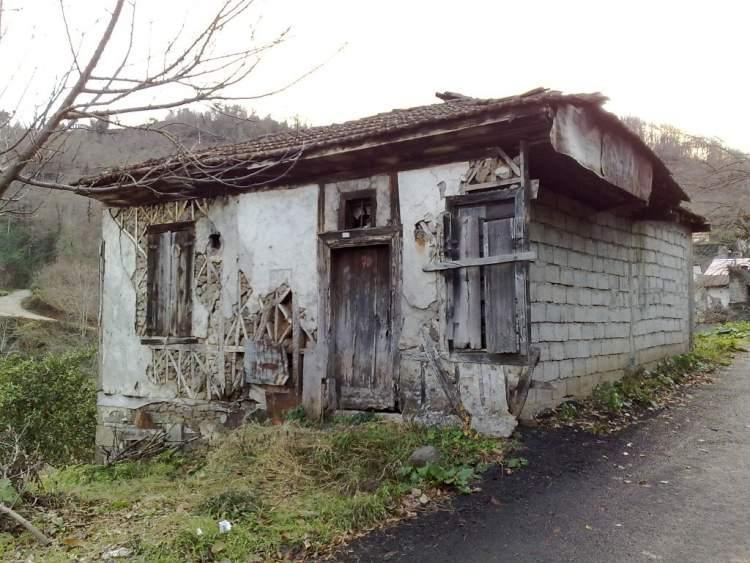eski oturduğun evi görmek
