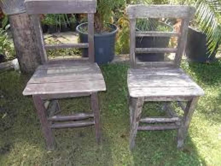 eski sandalye görmek