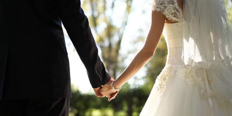 eski sevgili ile evlendiğini görmek
