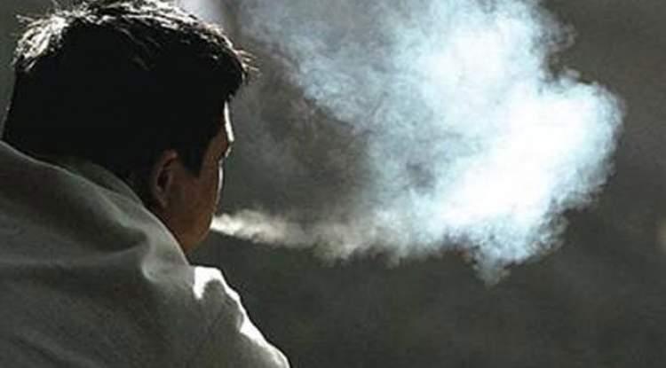 eski sevgilinin sigara içtiğini görmek