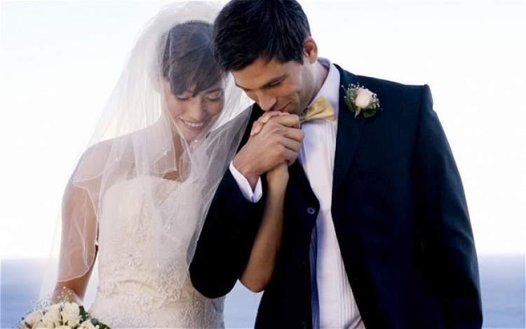 eski sevgiliyi evlenirken görmek
