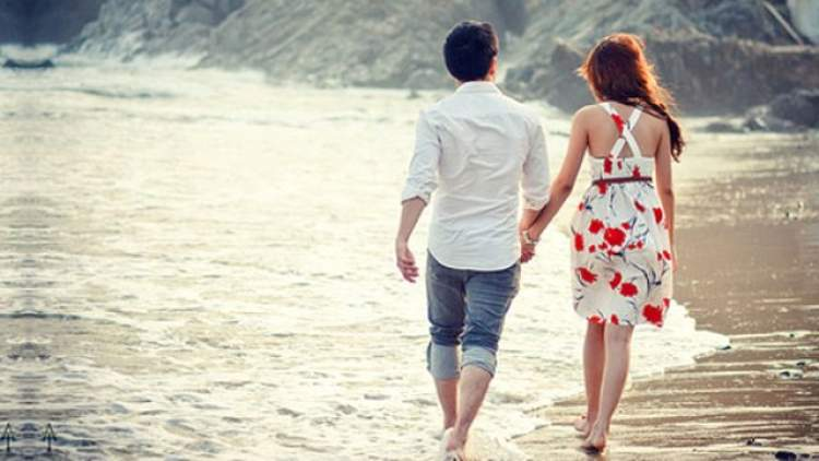 eski sevgiliyle el ele yürümek