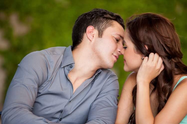 Rüyada Eski Sevgiliyle Öpüşmek