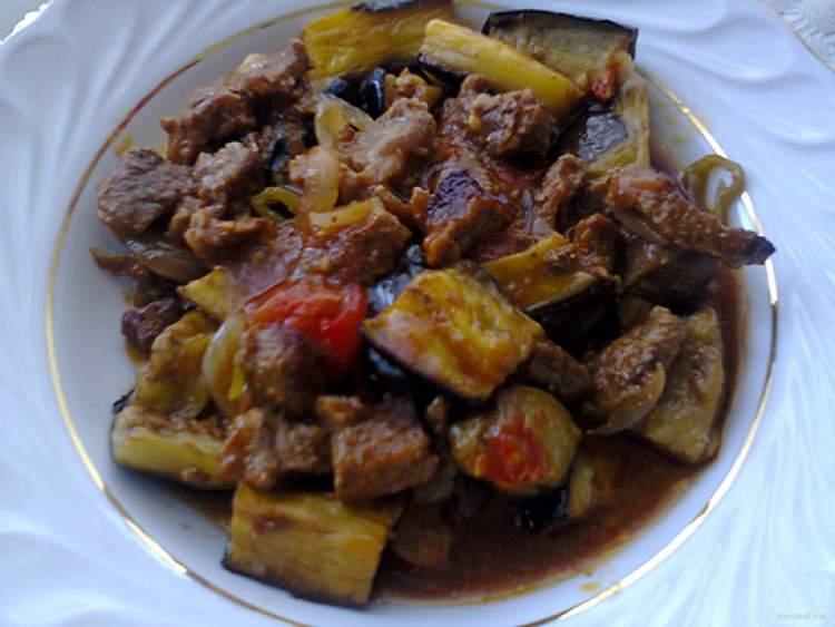 etli patlıcan yemeği görmek