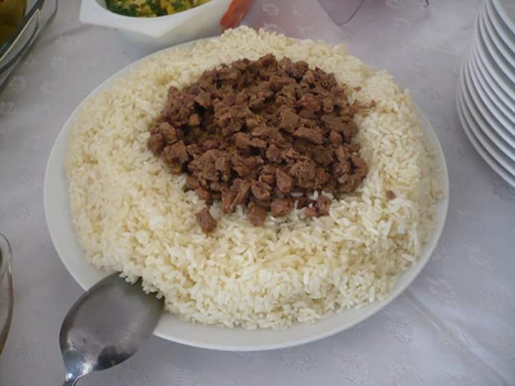 etli pirinç pilavı yemek