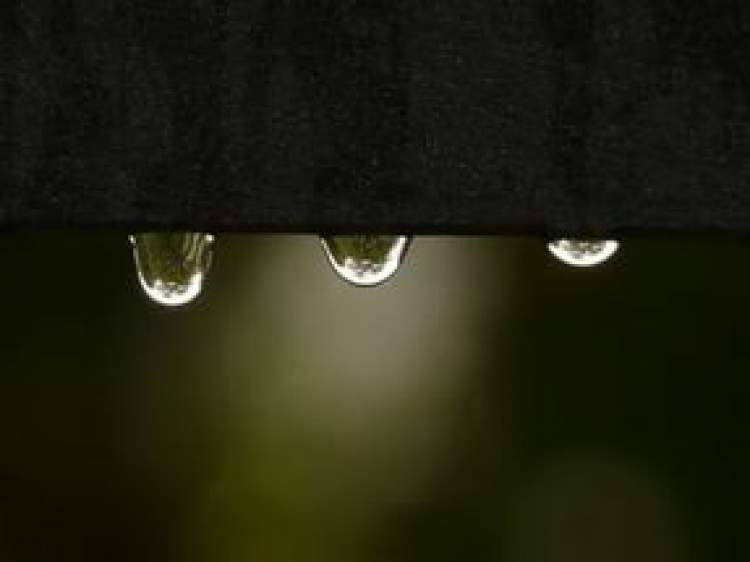 Rüyada Evin Tavanından Yağmur Suyu Akması