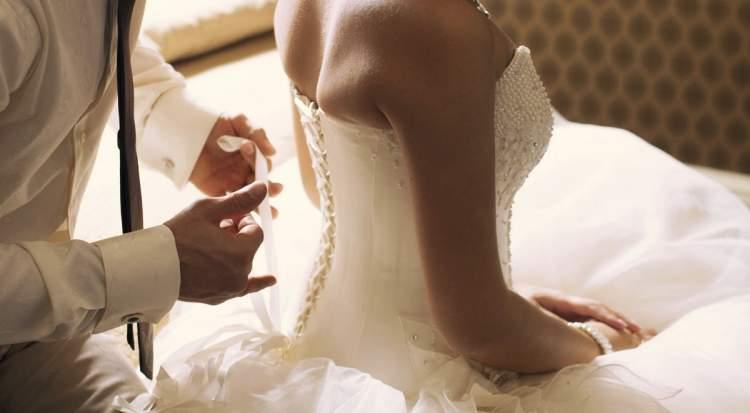 evlenip gerdeğe girmemek