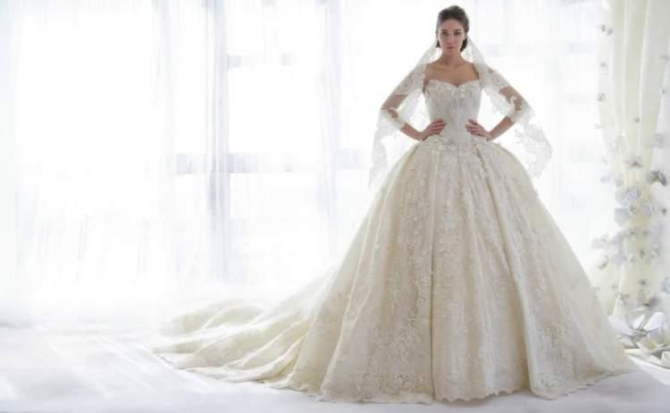 evli bir kadının gelinlik giymesi