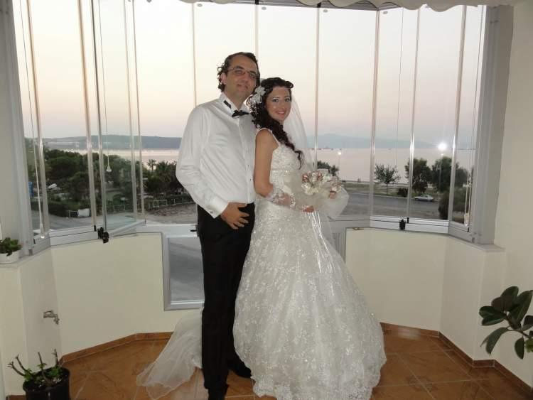 evli birinin evlendiğini görmek