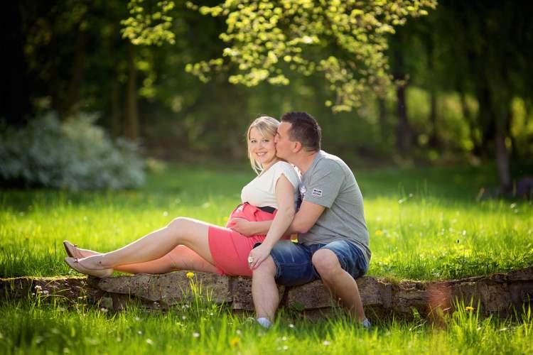 evli ve hamile olduğunu görmek
