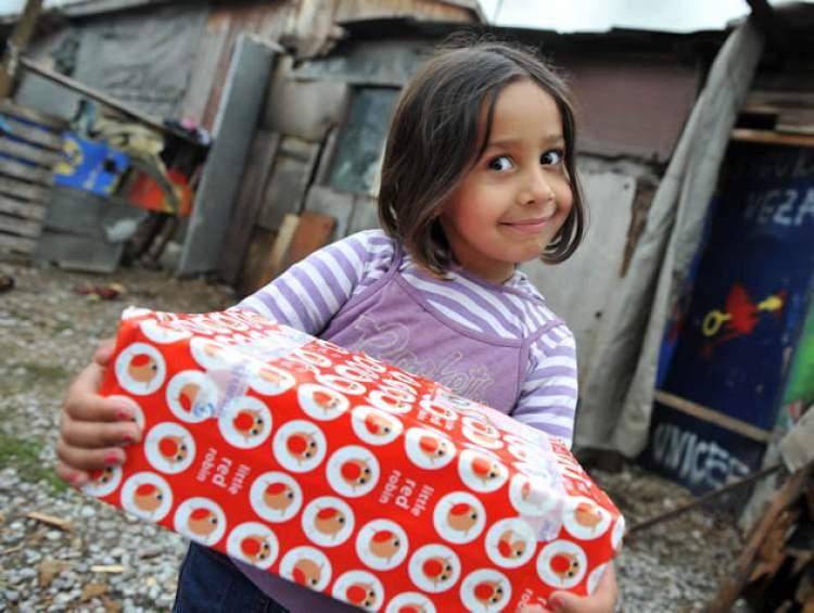 fakir çocuğa yardım etmek
