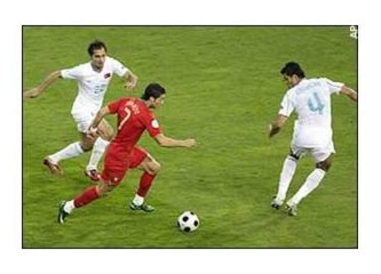 futbol oynamak