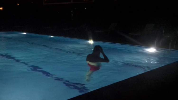 Rüyada Gece Yüzmek