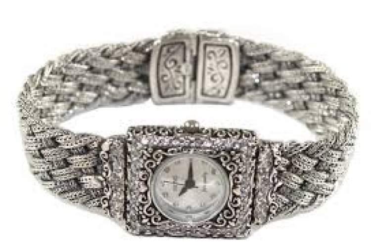 gümüş saat görmek