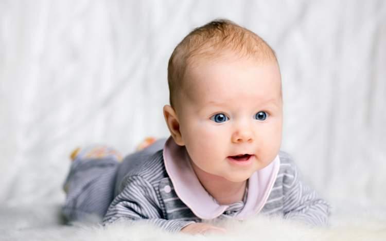 güzel erkek bebek görmek