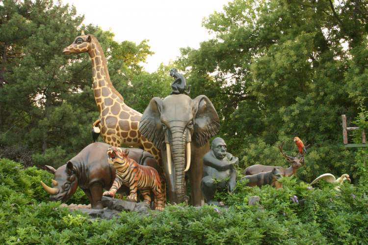 hayvanat bahçesi görmek