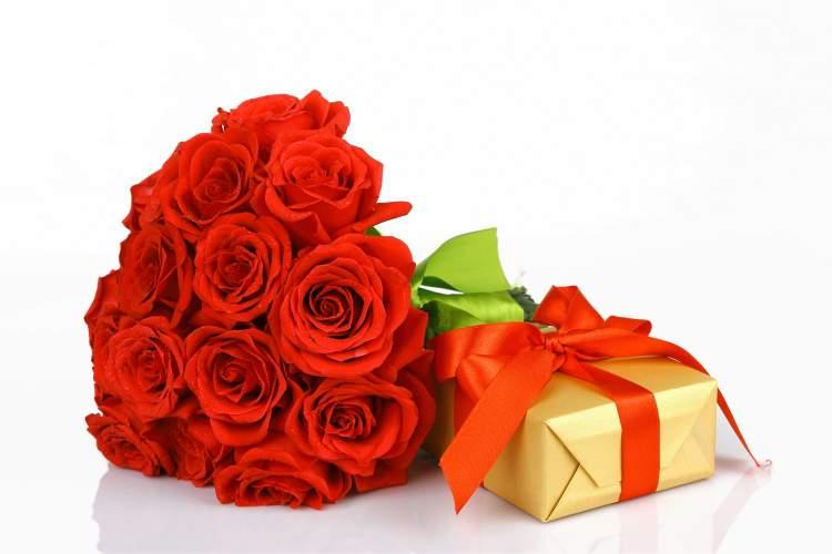 Rüyada Hediye Çiçek Almak