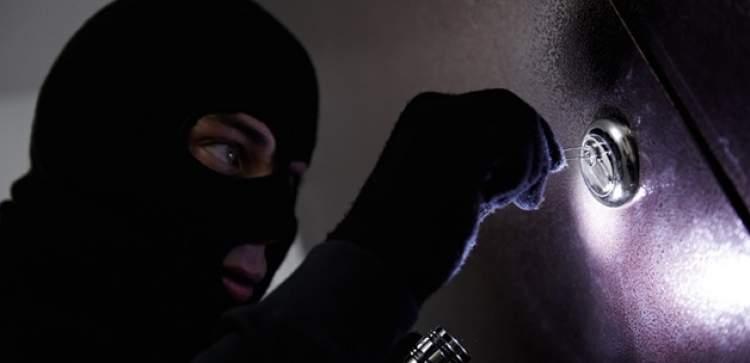 hırsızdan kaçmak