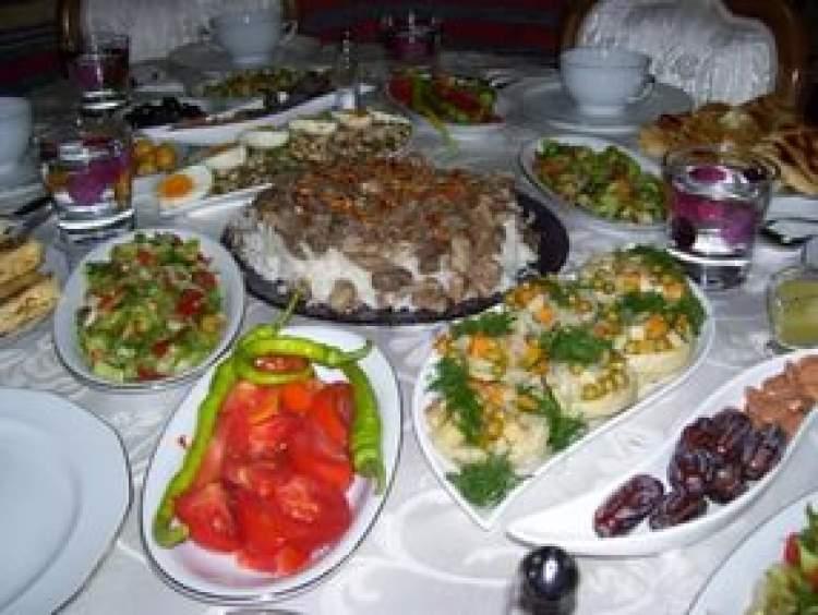 iftar yemeği görmek