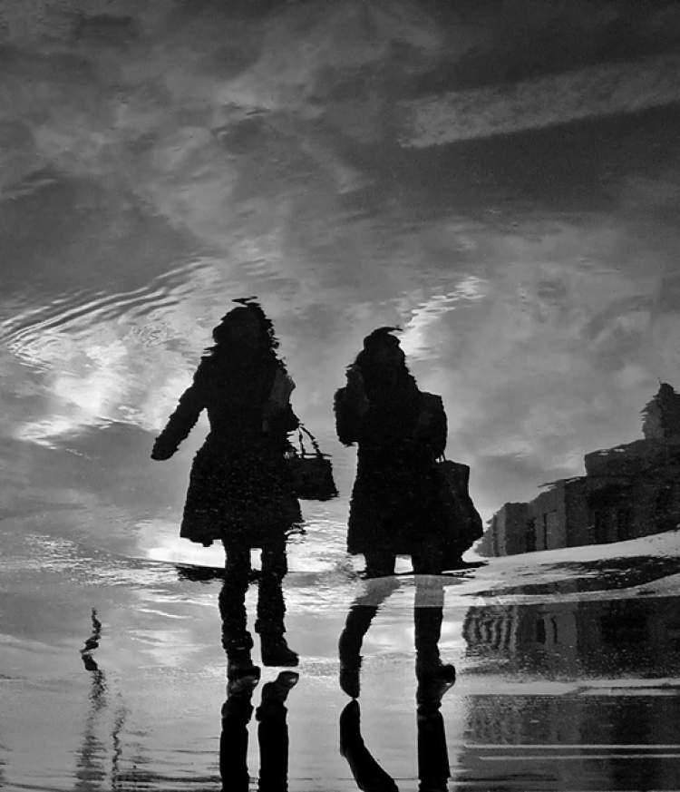 iki kadın görmek