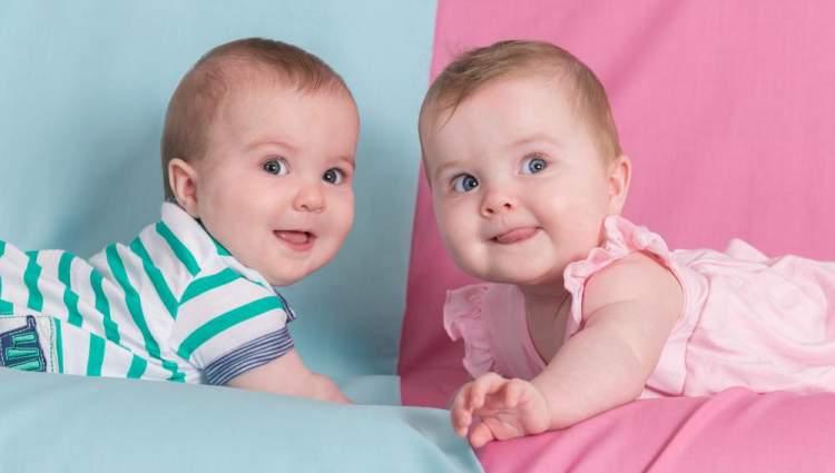 ikiz bebeğin olduğunu görmek