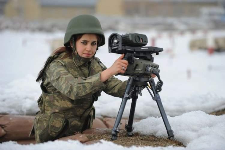 kadın asker görmek