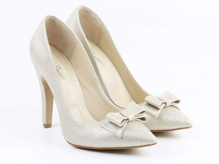 Rüyada Kadın Ayakkabısı Giymek