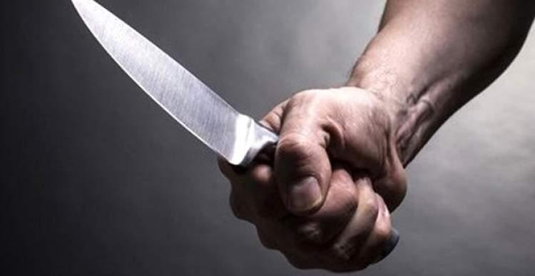 kadın bıçaklamak