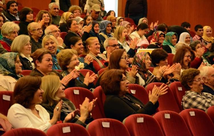 kadınlar topluluğu görmek