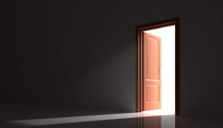 kapının açık olması