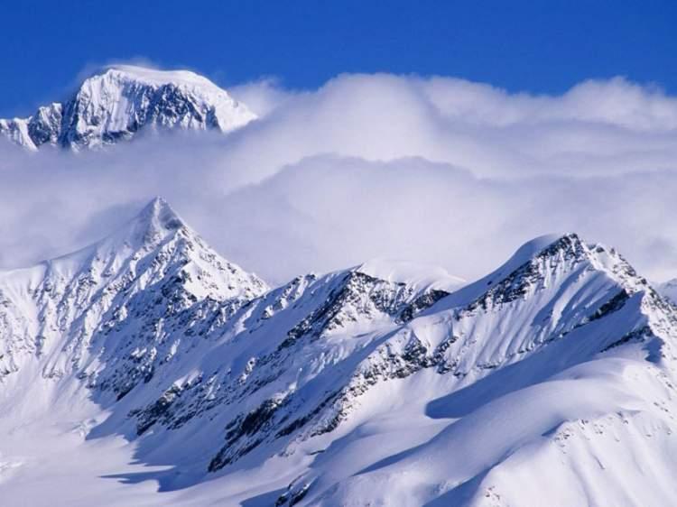Rüyada Karlı Dağa Tırmanmak