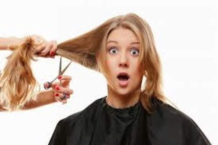 kendi saçını kestiğini görmek