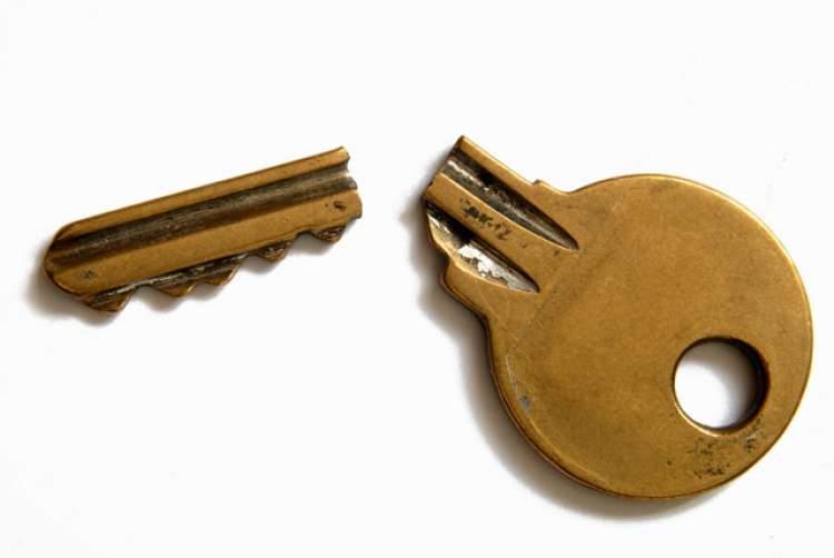 Rüyada Kırık Anahtar Görmek
