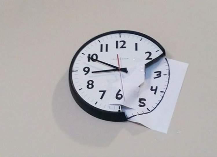 kırık saat görmek
