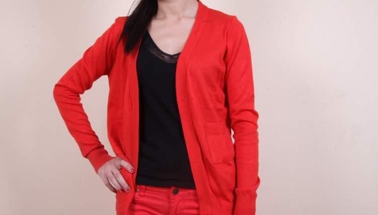 Rüyada Kırmızı Hırka Giymek