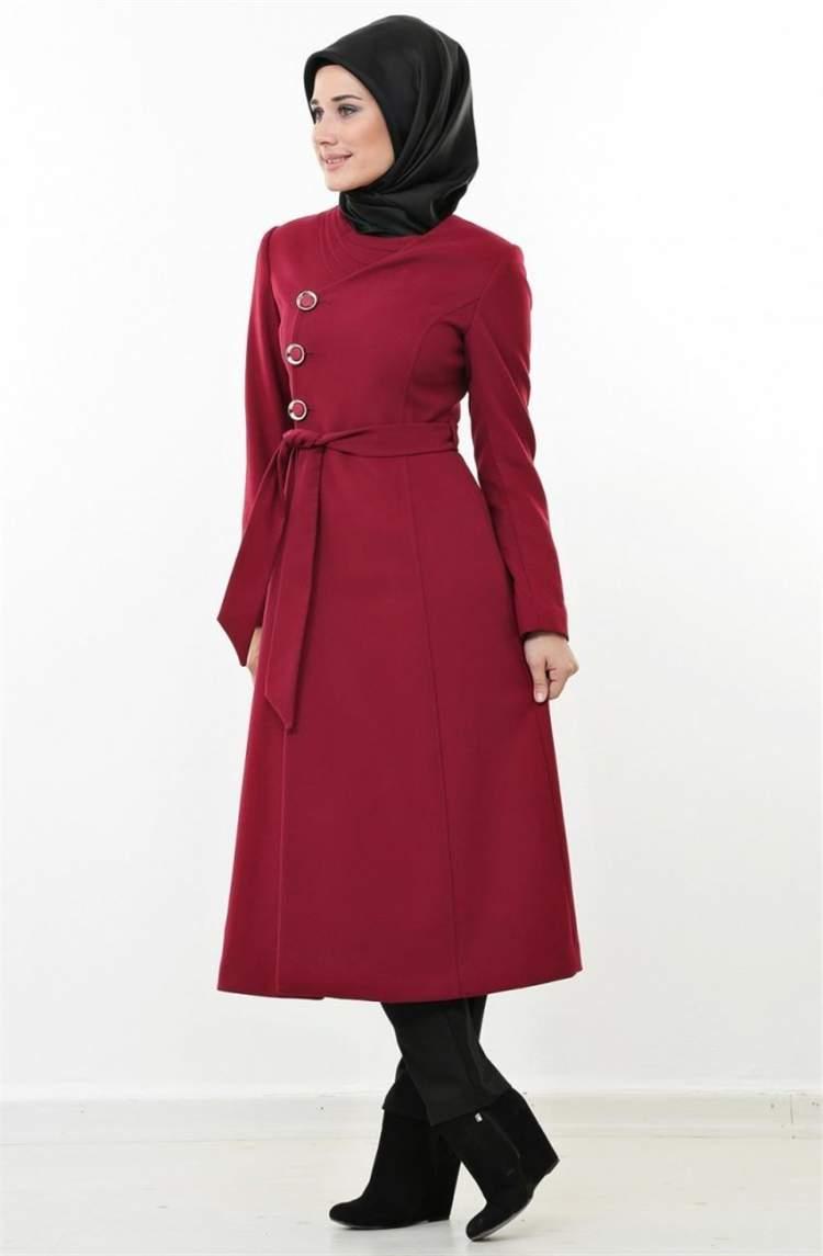 kırmızı manto giymek