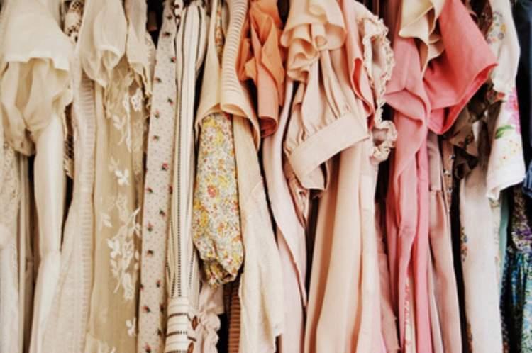 Rüyada Kıyafet Giymek