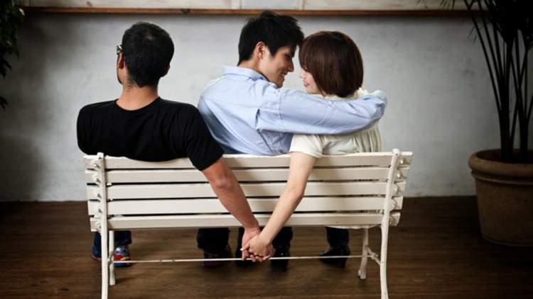 Rüyada Kocasını Aldatmak