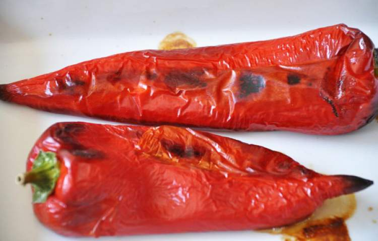 közlenmiş kırmızı biber görmek